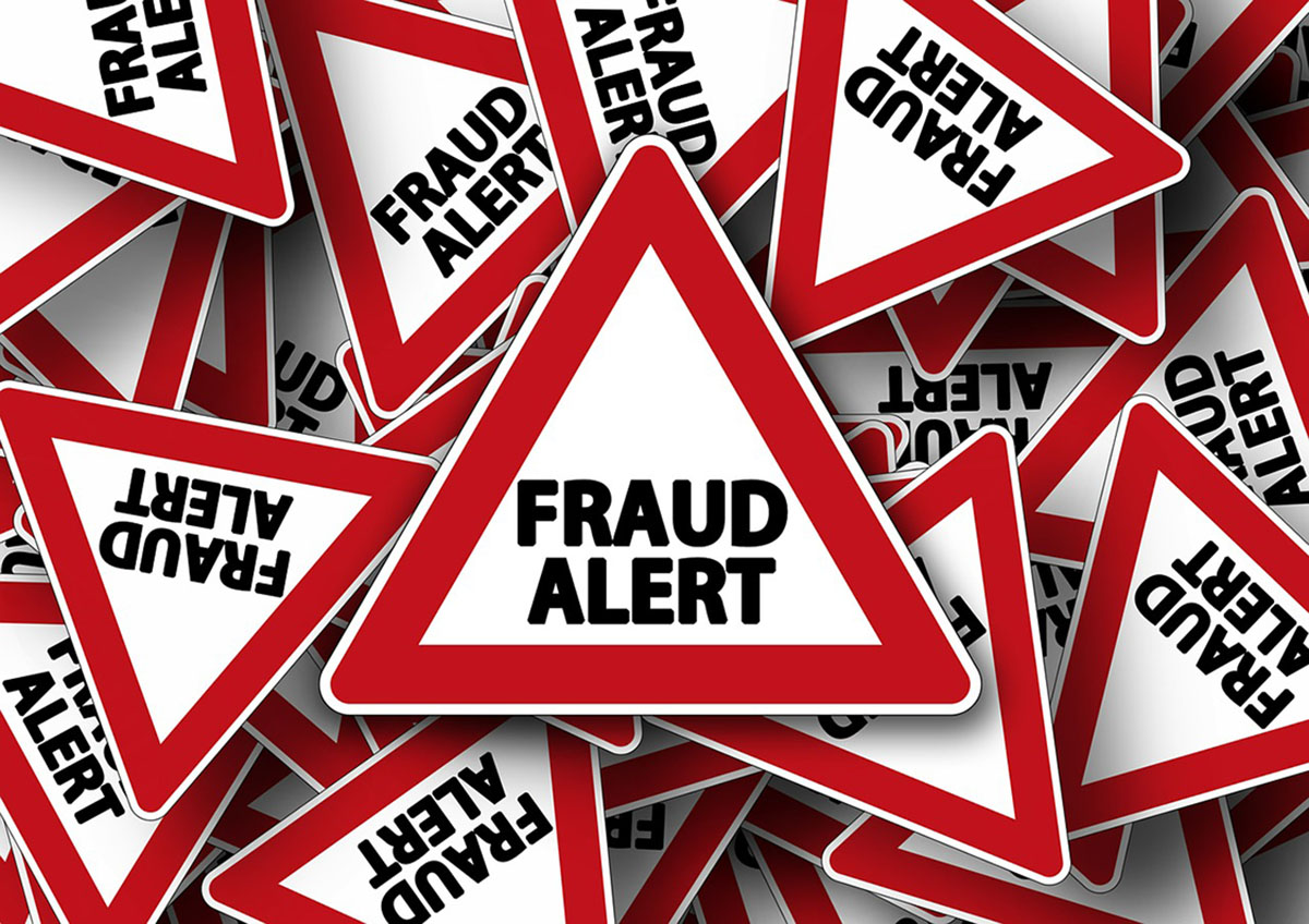 Photo: Scammers target UHCL students. Photo courtesy of Pixabay.com