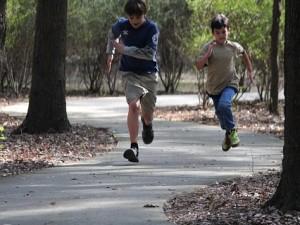 boys-running-291013_640-300x225