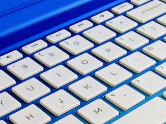 laptop-keyboard-1036970_1920