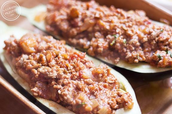Bakłażan faszerowany mięsem mielonym