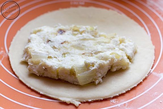 Czebureki z ziemniakami i serem