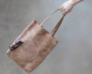 Rugged Leather Handbag - Rec