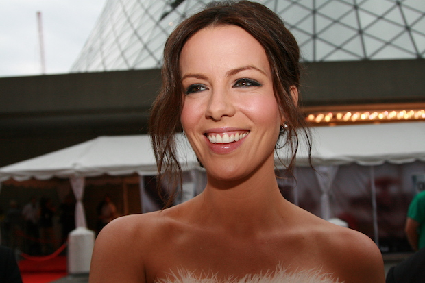 Kate_Beckinsale_at_2008_TIFF