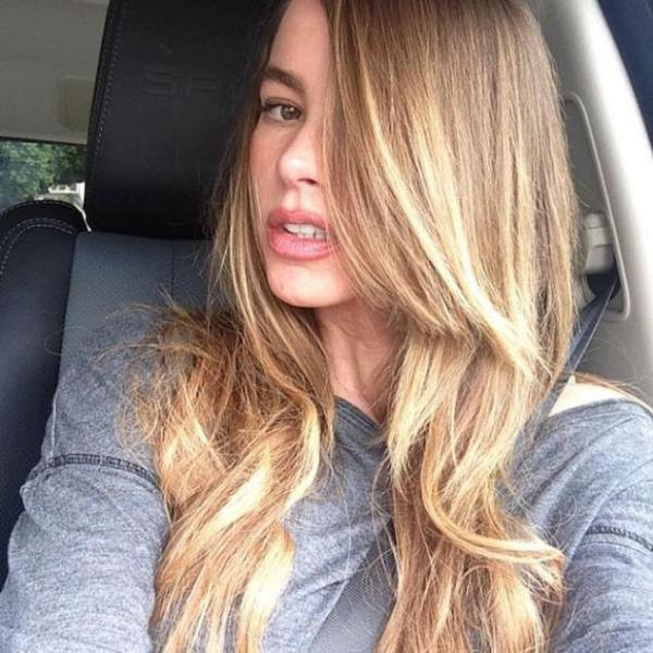 sofia-vergara-blonde-ambitions-instagram-natural-hair-color-debut-beauty-and-the-beat-blog