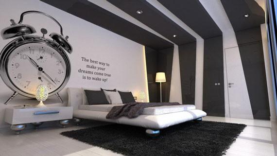 特大の時計がおしゃれな寝室