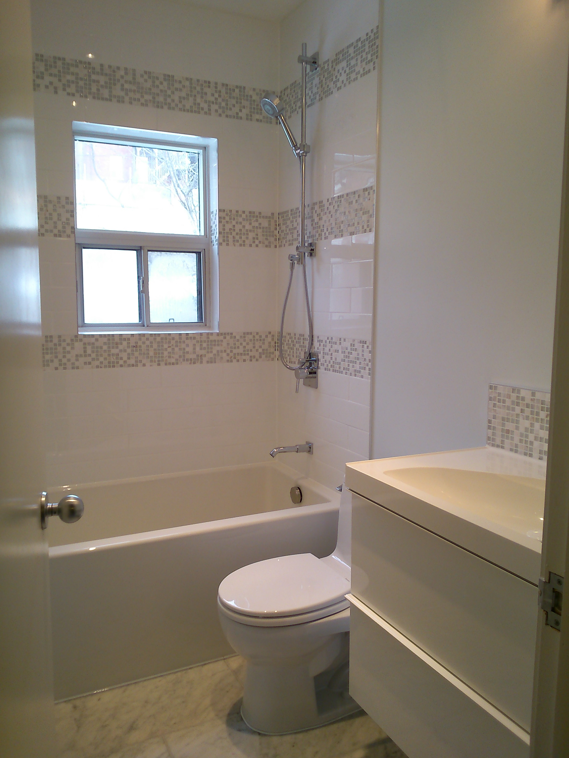 Ceilings that can impress universal house improvement for Tiny 3 piece bathroom