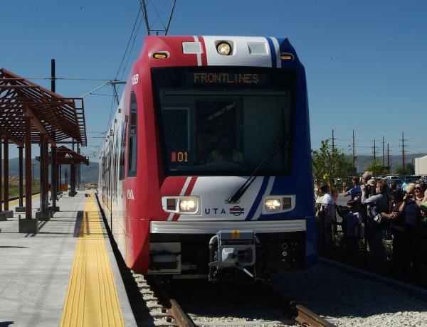 light-rail-arriving