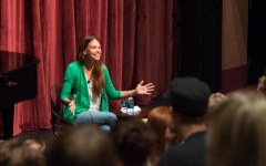 Sutton Foster answers questions for BYU Music Dance Theatre students in a master class that was part of her two-concert performing visit on campus. (Photo by Samantha Williams)