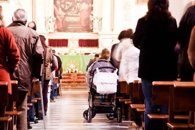 bambini a messa