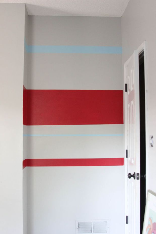How to paint crisp paint stripes | www.lipglossandbinky.com