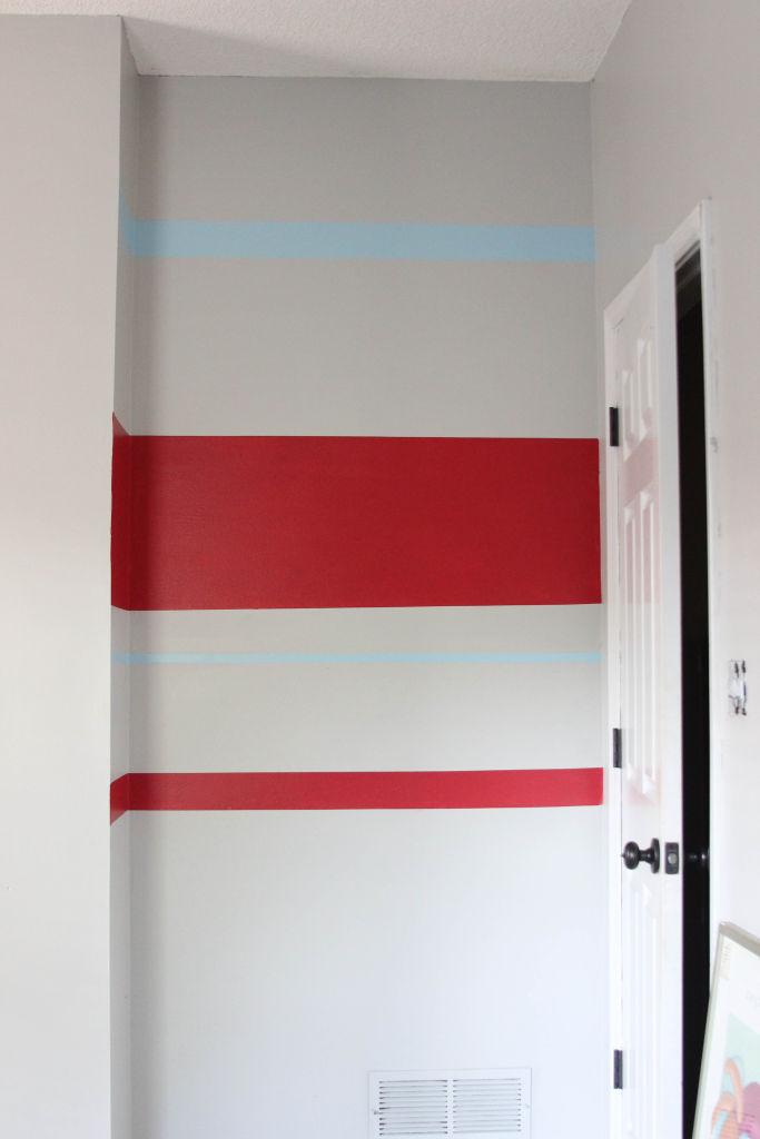 How to paint crisp paint stripes | www.lipglossandbinky.com