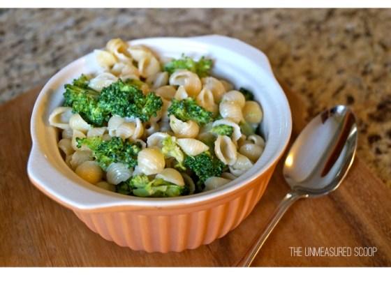 In a Pinch Thursdays – White Cheddar Broccoli Mac & Cheese