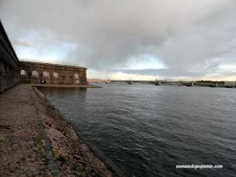 Fortaleza de San Pedro y San Pablo con salida al río Neva