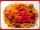 Spaghetti con pomodorini e peperoni