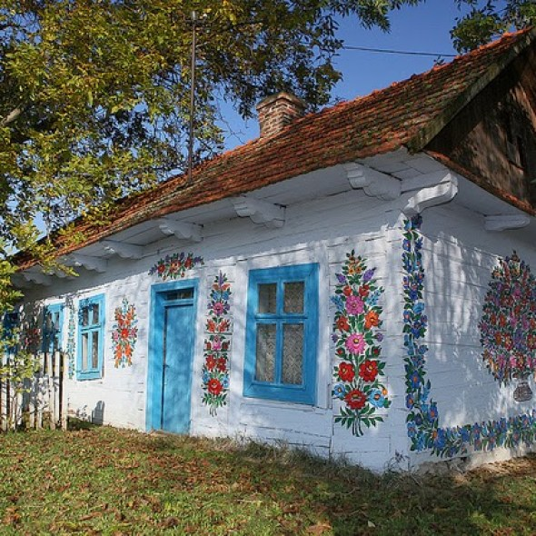 zalipie_poland_painted_village_flowers_1
