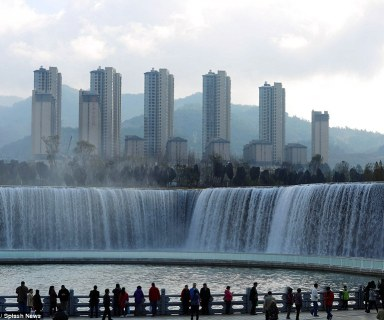 man-made-waterfall-china2