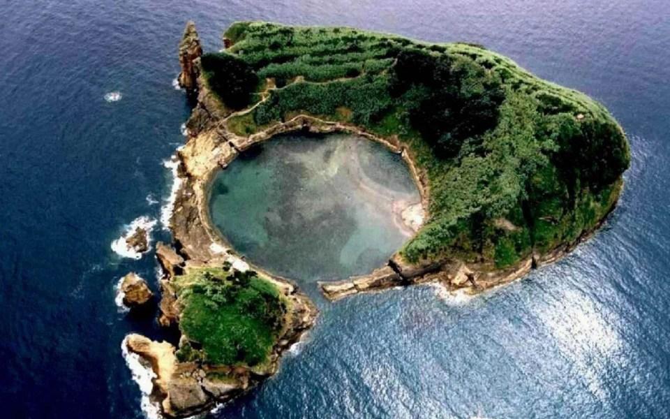 Franca-do-Campo-islet