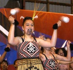 マオリ族の伝統的な入れ墨(タトゥー)