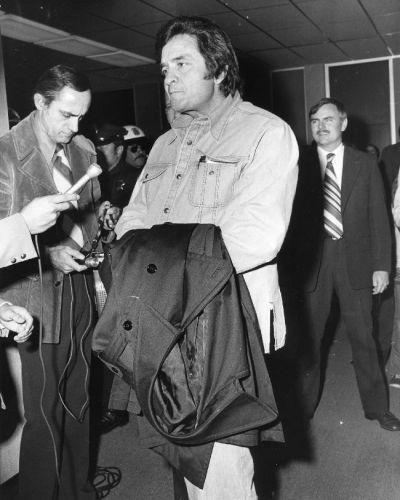 File:Johnny Cash PSA 06-00564.jpg - Wikimedia Commons