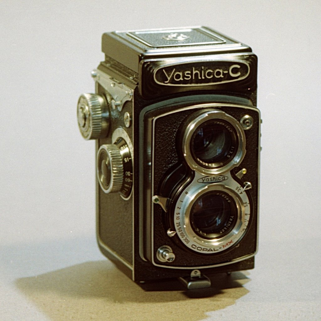 Riveting Beginners Medium Format Film Tlr Medium Format Film Tlr Wikimedia Commons Medium Format Film Size Medium Format Film Camera dpreview Medium Format Film