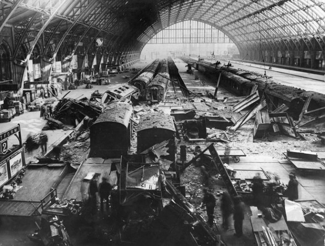 http://i2.wp.com/upload.wikimedia.org/wikipedia/commons/4/47/St_Pancras_railway_station_bomb_damage_in_May_1941.jpg?resize=660%2C499&ssl=1