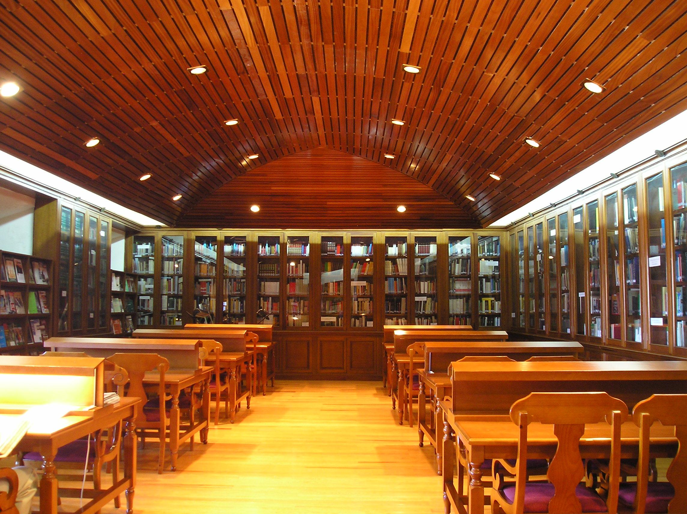 Sala de Lectura de la Biblioteca de la Academia de Artillería (Segovia) CC BY-SA 3.0 by Ministrillo vía Wikimedia Commons