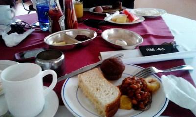 File:Chai in uganda.jpg - Wikimedia Commons