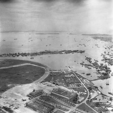 Kallang Airport aerial photo 1945.jpg