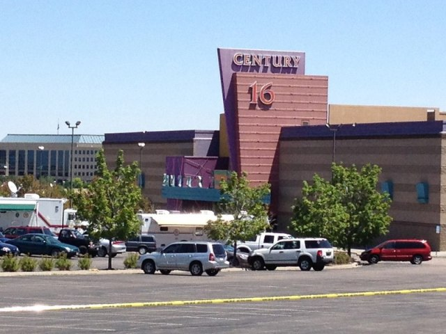 File:The Century 16 theater in Aurora CO - Shooting location.jpg