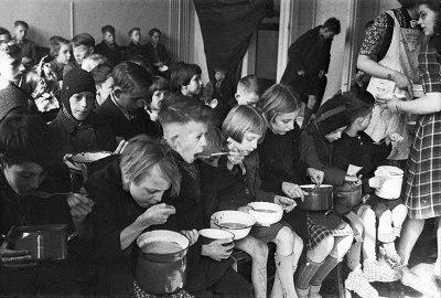 Dutch famine of 1944–45 - Wikipedia