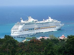 Voyager of the Seas in Ocho Rios, Jamaica Deut...