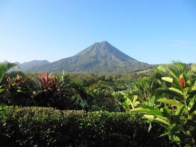 Arenal Volcano - Wikipedia
