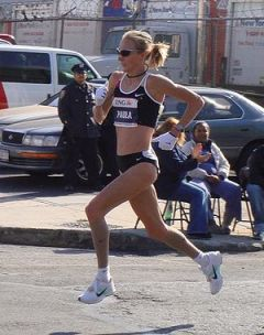 Paula Radcliffe, winner of the 2007 New York C...