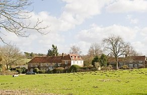 English: The Old Curate's House, Bramdean A cu...