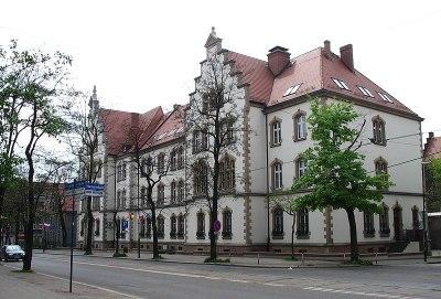 File:Sąd Rejonowy w Zabrzu (Nemo5576).jpg - Wikimedia Commons