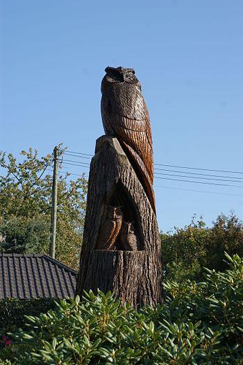 A carved owl at Süchterscheid