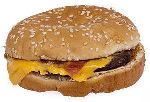 English: A Burger King bacon cheeseburger.