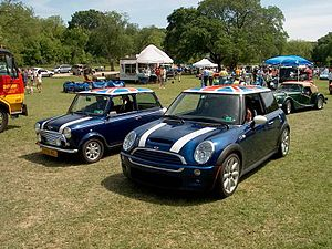 (left) A classic Mini (right) a modern BMW MINI.