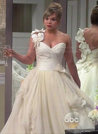 WornOnTV: Kristin's wedding dress #1 on Last Man Standing ...