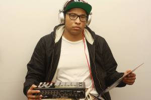 DJ DM Wright - vinyl records & MPC1000