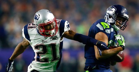 Malcolm Butler #21 of the New England Patriots defends a pass to Jermaine Kearse #15 of the Seattle Seahawks in the third quarter during Super Bowl XLIX at University of Phoenix Stadium on February 1, 2015 in Glendale, Arizona. (Kevin C. Cox/Getty Images North America)