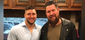 Apple Music's Artist of the Week Zach Williams Holds No. 1 at Radio