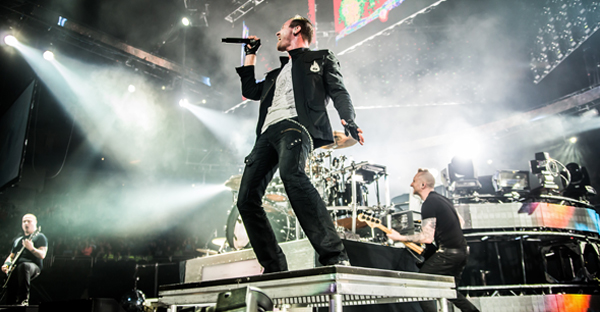Thousand Foot Krutch performs live (Photo credit: Jimmy Davis)