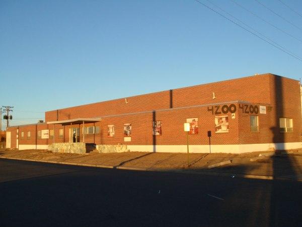 Warehouse for sale – 4240 Kearney St.