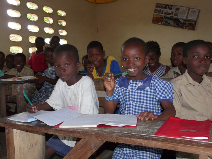 kids-learning-in-africa