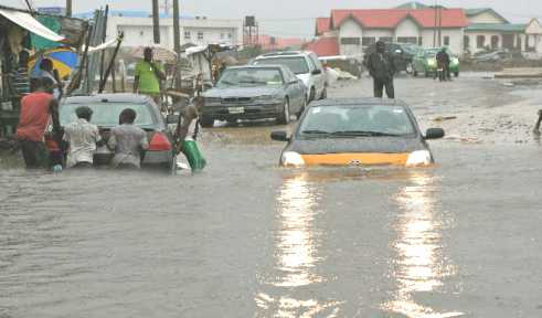 Heavy Rainfall Sparks Flooding in Lagos