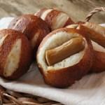 ベーグルのようなもちもち食感のプレッツエルパン