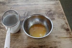 こす前の卵液