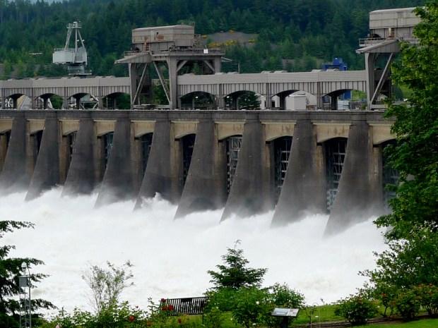 A shot of Bonneville Dam in Oregon