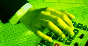 Jobs Such as Those of a Certified Public Accountant Are Available in the Green Solar Industry - Image from TreeHugger.com